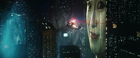 Blade_Runner_spinner_flyby